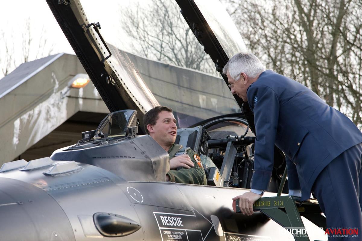 the Commandant Luchtstrijdkrachten Lieutenant-General Jac Janssen, said thank you on behalf of the RNLAF.
