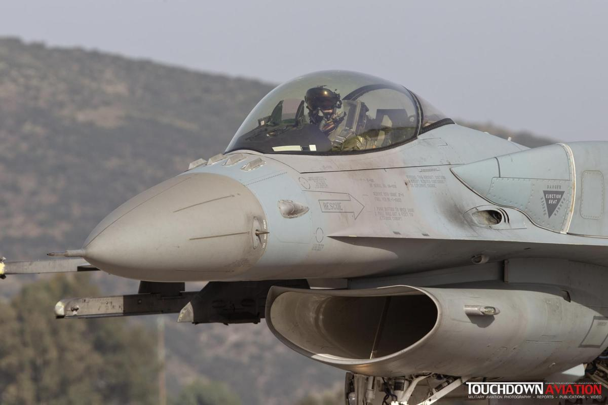 F-16C Fighting Falcon - 011 - 335 Mira - Hellenic Air Force