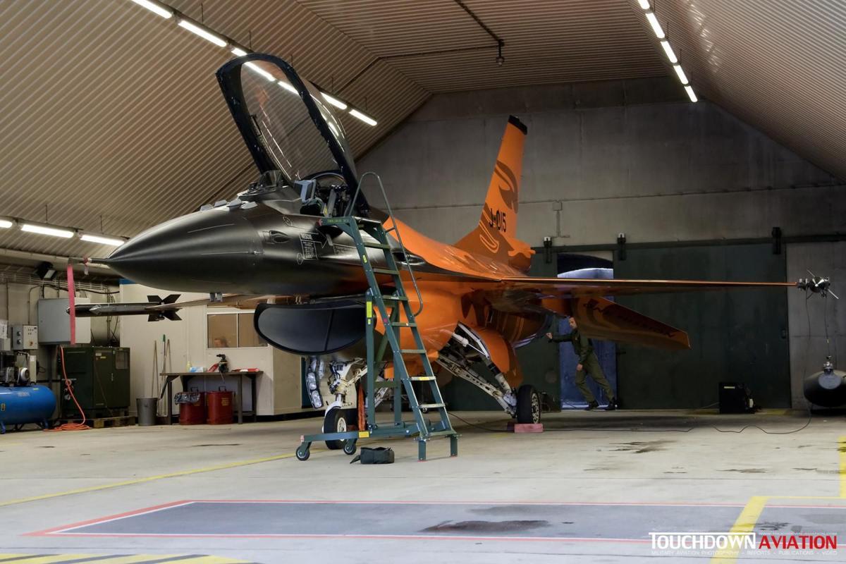 The J-015 'Orange Lion'